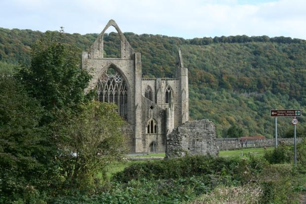 Tintern Abbey (photo Jayne Lutwyche)